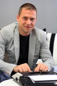 Иво Топлаов, писател и обучител